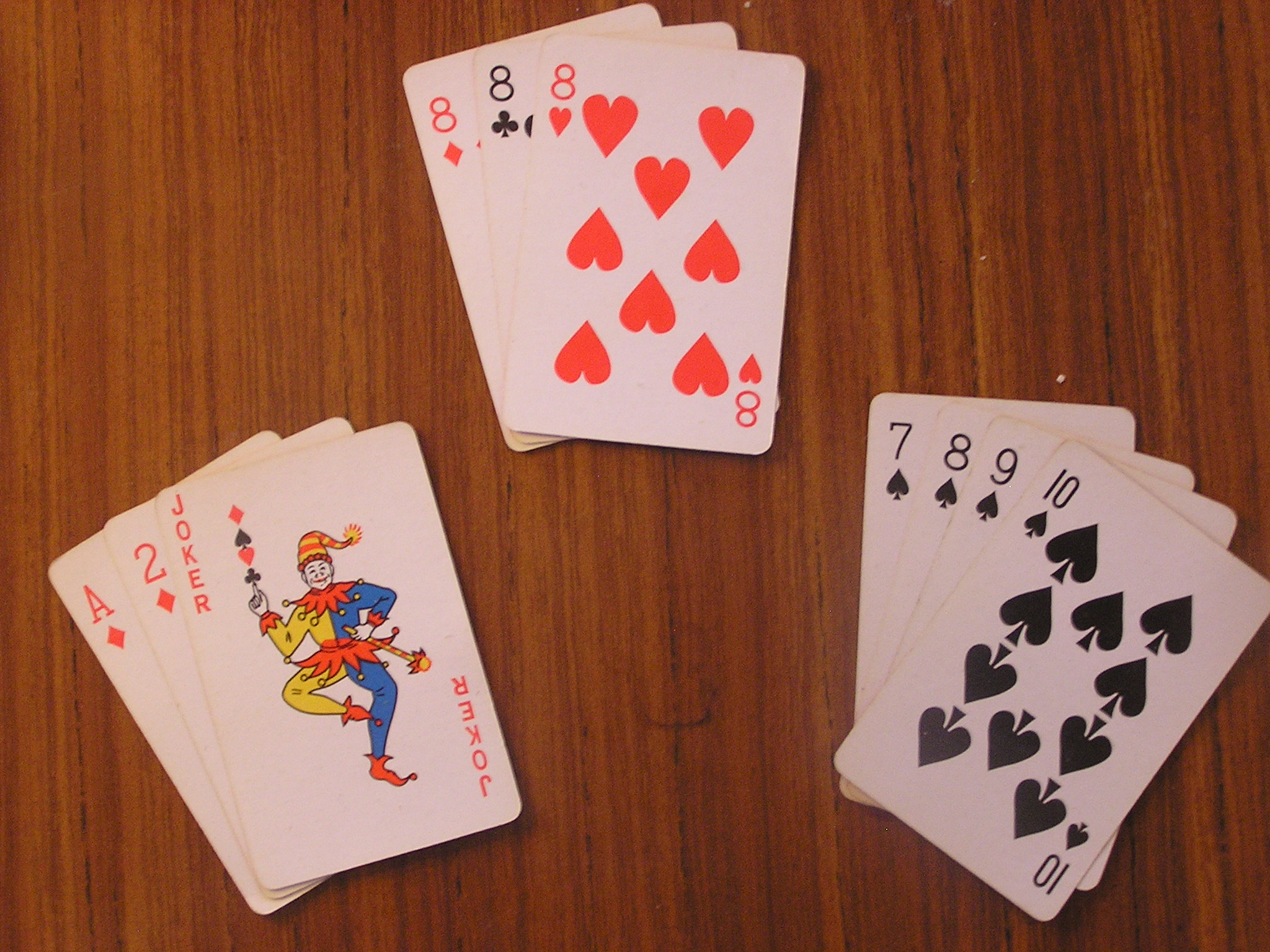 Rummy game card deal
